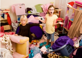 kids in messy room