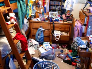 Check out our spring cleaning tips to clean your messy bedroom.