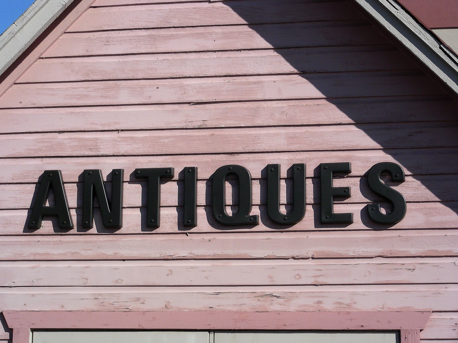 A business selling antique items